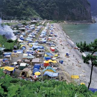 宇久須海水浴場の写真