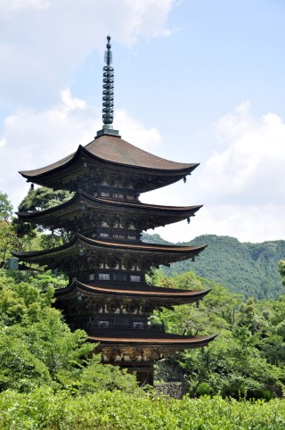 瑠璃光寺五重塔の写真