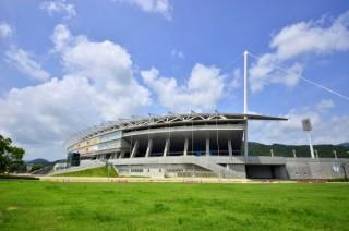 維新みらいふスタジアム(維新百年記念公園陸上競技場)の写真