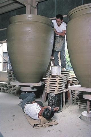 大谷焼窯元森陶器の写真