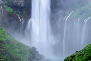 華厳の滝の写真