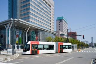 富山ライトレール(路面電車)の写真