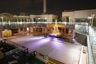 アゴーラ・スケートリンクの写真