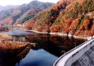 鹿鳴湖(内村ダム)の写真