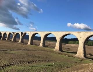 タウシュベツ橋梁の写真