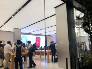 Apple Store新宿(アップルストア新宿)の写真