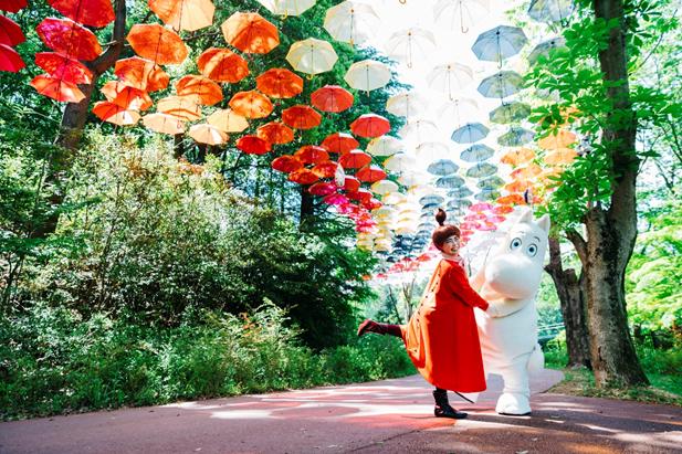 日本最大級約1,200本の傘が広がる「ムーミン谷とアンブレラ」を春夏で開催